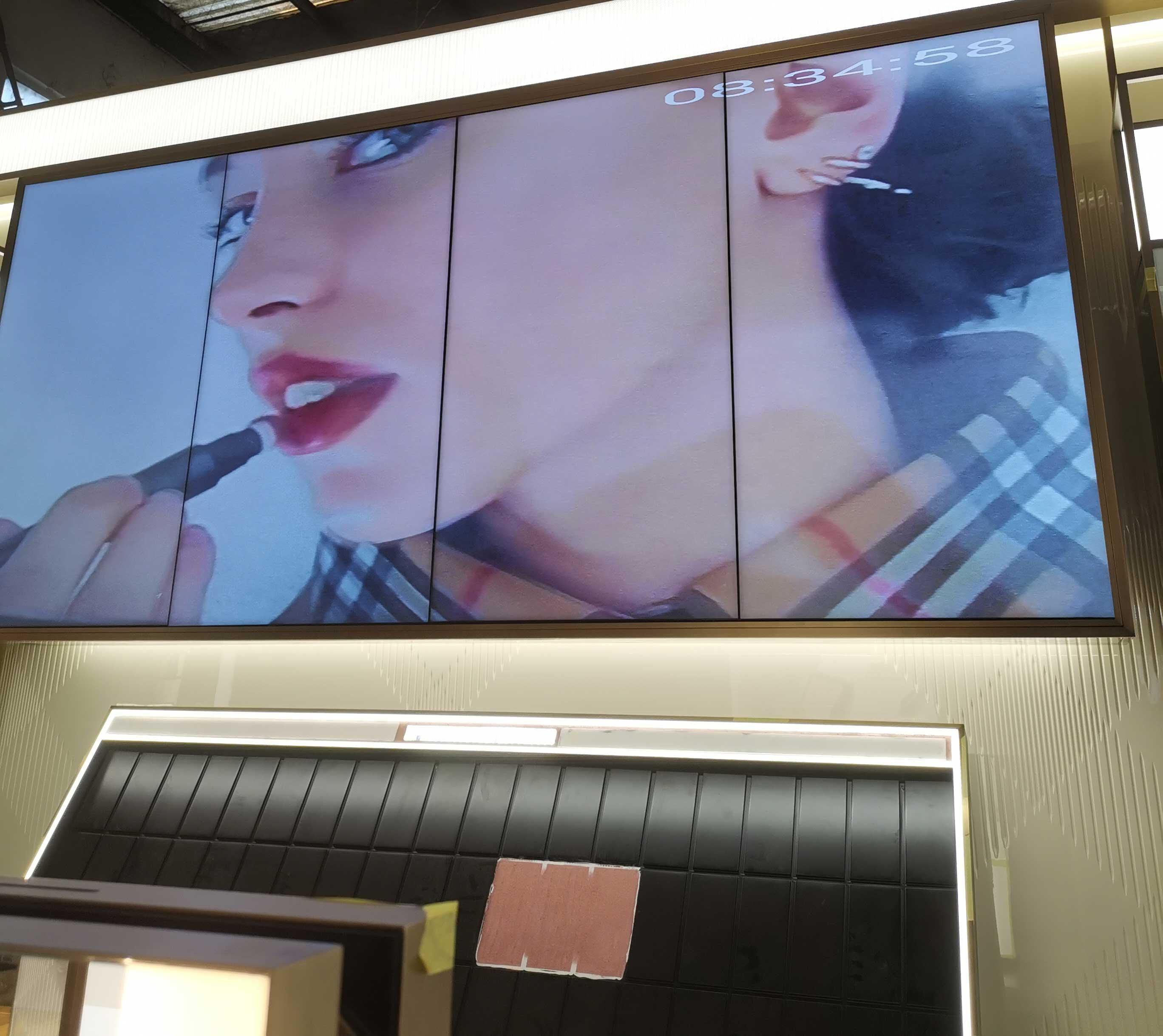 巴宝莉Burberry美妆店液晶拼接屏案例